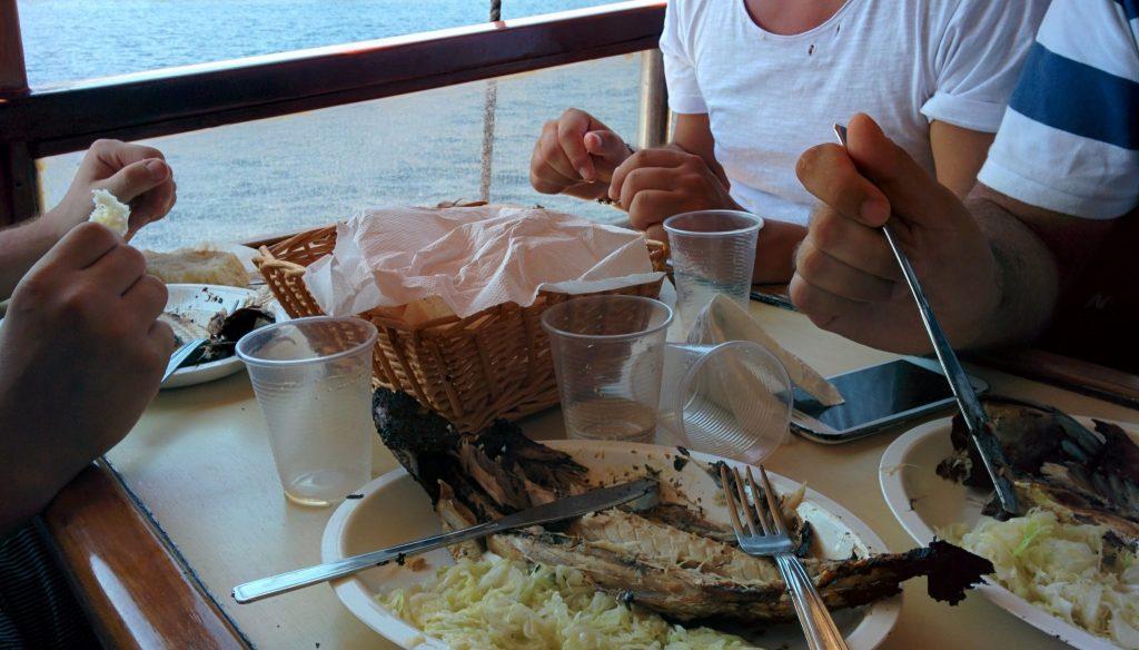 pranzo a bordo, Croazia - Viaggi tra le righe - Blog di Antonio Rotundo