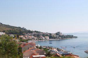 le case che si affacciano sul mare nel Villaggio di Podgora