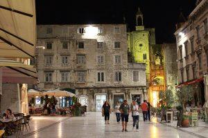 Piazza di Narodni - Viaggi tra le righe - Blog di Antonio Rotundo