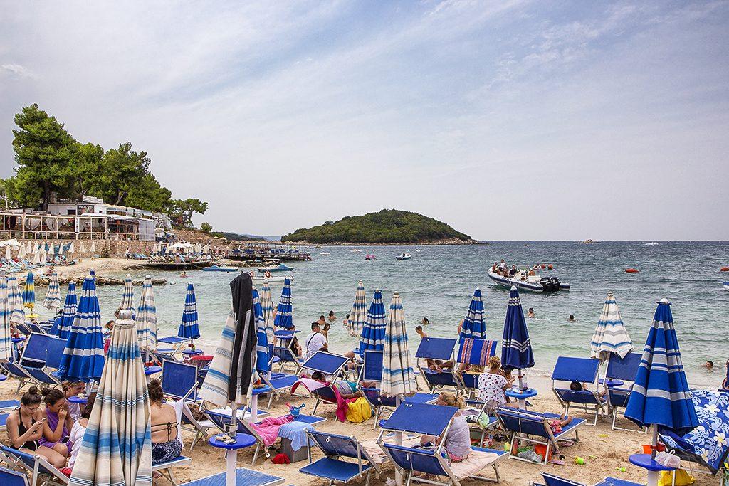 Tour in Albania - Spiaggia di Ksamil - Viaggi tra le Righe - Blog di Antonio Rotundo