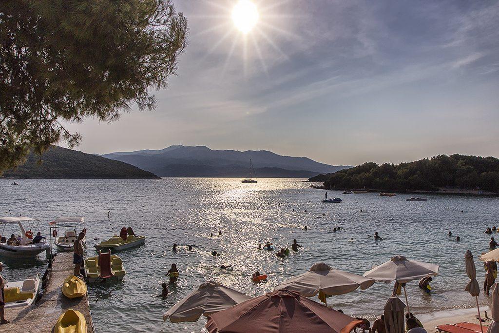 Vista sulla baia di Ksamil scoperta durante il Tour in Albania