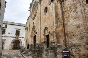 facciata laterale della Cattedrale Santa Maria Assunta