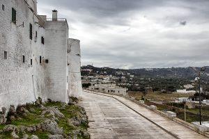 Viale Oronzo Quaranta, Ostuni - Viaggi tra le righe - Blog di Antonio Rotundo