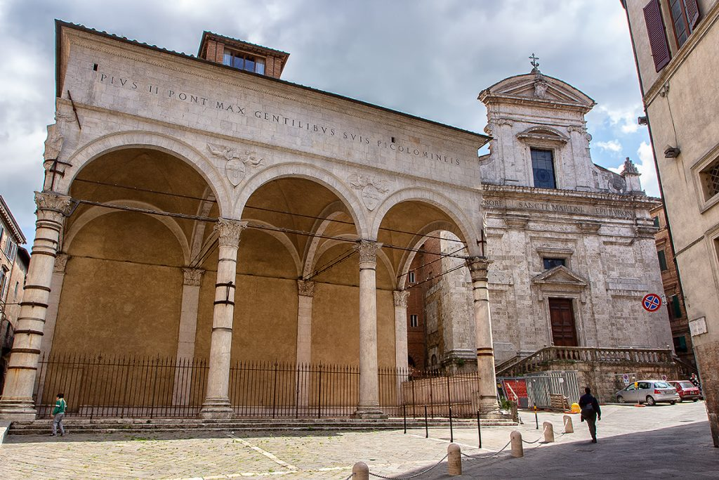 Vista frontale della Chiesa di San Martino, ecco cosa vedere a Siena in un giorno