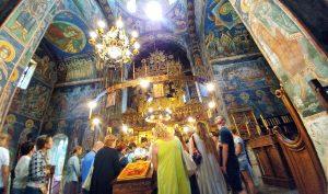interno della chiesa Assunzione della Vergine Maria, vista durante le vacanze in Montenegro