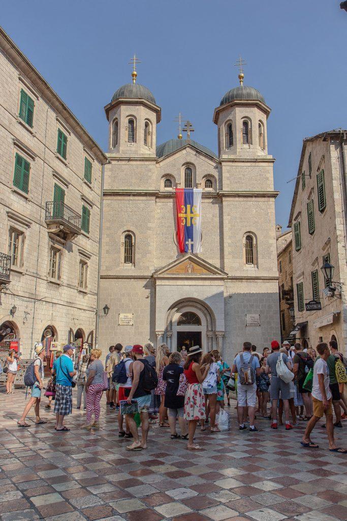 Chiesa di San Nicola vista dura la visita alla baia di Kotor