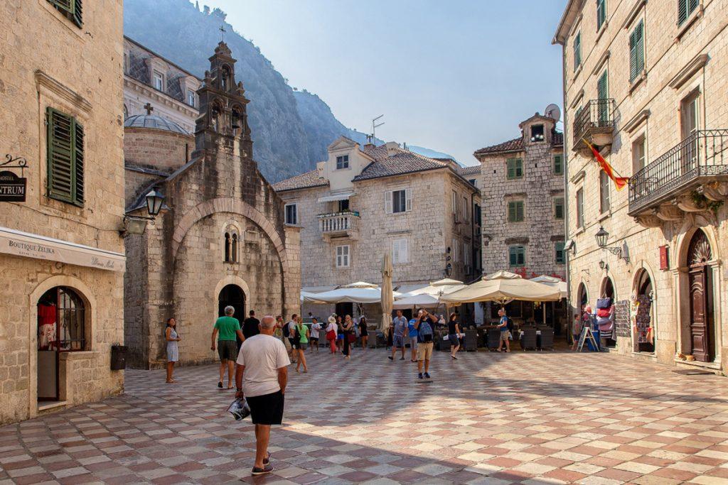 Chiesa di San Luca vista dura la visita alla baia di Kotor