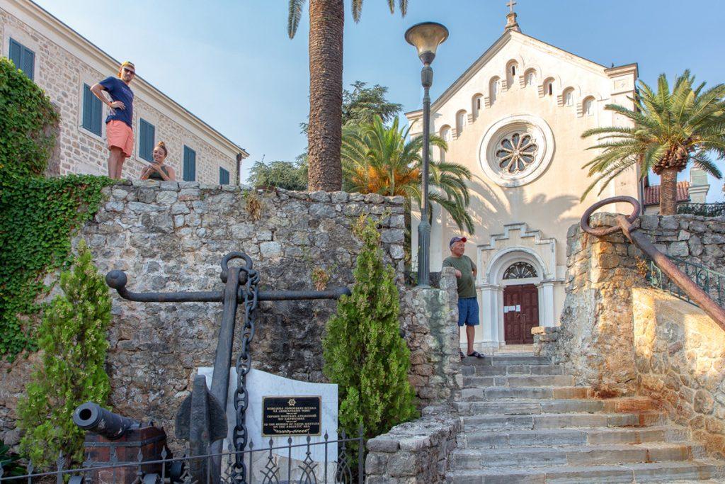 chiesa di San Jeronim vista durante il tour nella baia di Kotor