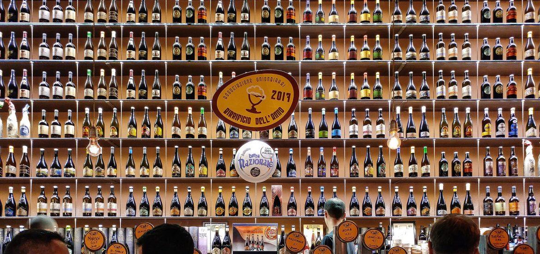 Bancone del pub Open Baladin di Roma