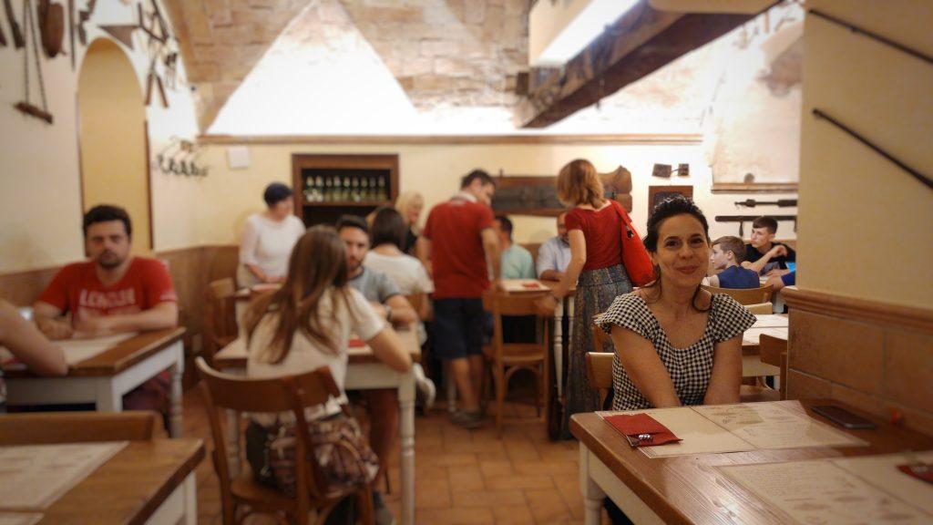 interno del locale La Gattabuia, Roma