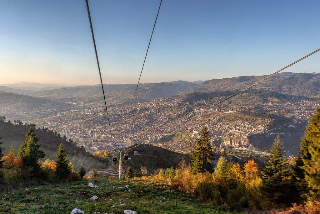La funivia che collega Sarajevo al monte Trebevic