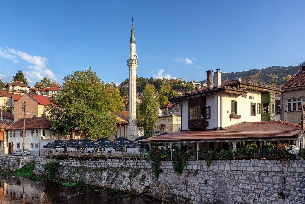 Il famoso locale Inat Kuca di Sarajevo