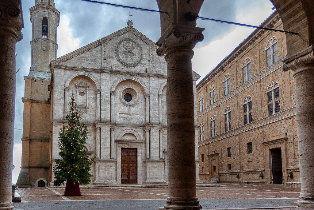 Pienza cosa vedere in piazza Pio II