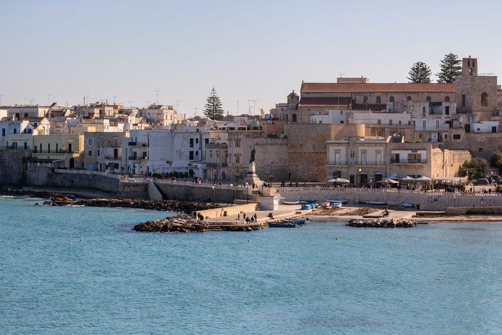 Statua sul lungomare di Otranto